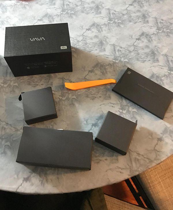 Trọn bộ hộp sản phẩm vava 4k